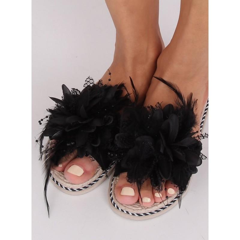 Černé zdobené pantofle s pírkami pro dámy