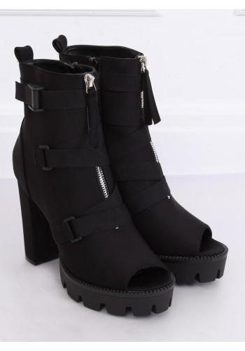 Stylové dámské kozačky černé barvy na podpatku