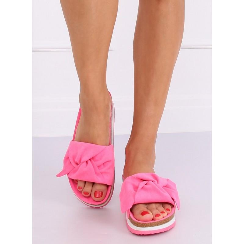 Dámské semišové pantofle s vysokou podrážkou v růžové barvě