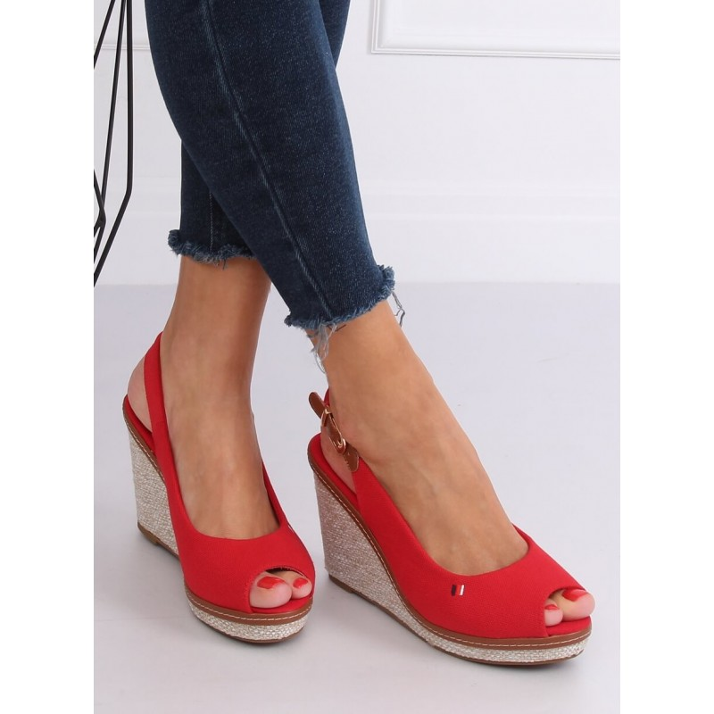 Červené plátěné sandály s klínovým podpatkem pro dámy