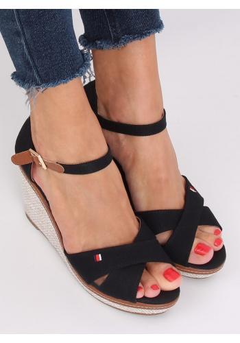 Dámské módní sandály s klínovým podpatkem v černé barvě