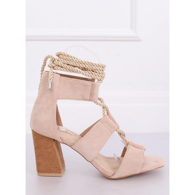 Béžové semišové sandály na podpatku s vázáním pro dámy