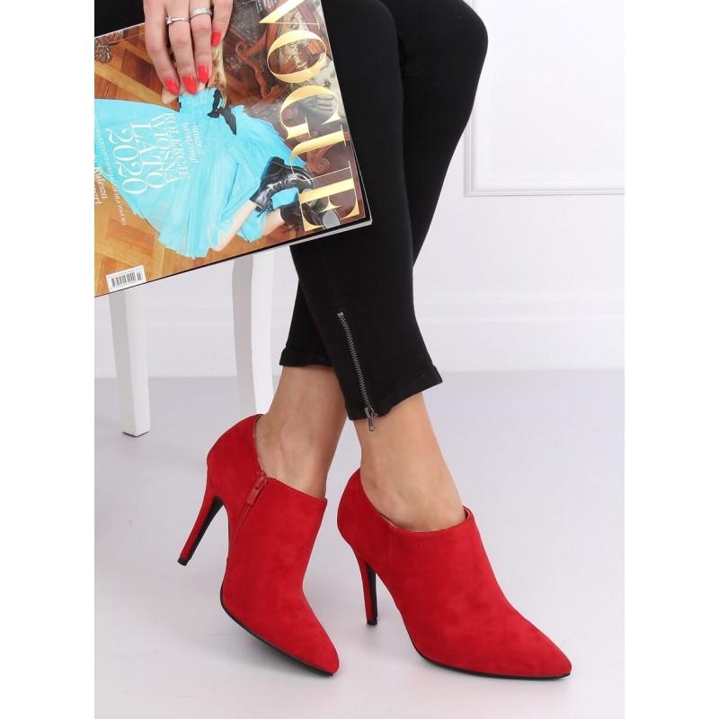 Semišové dámské polobotky červené barvy na štíhlém podpatku