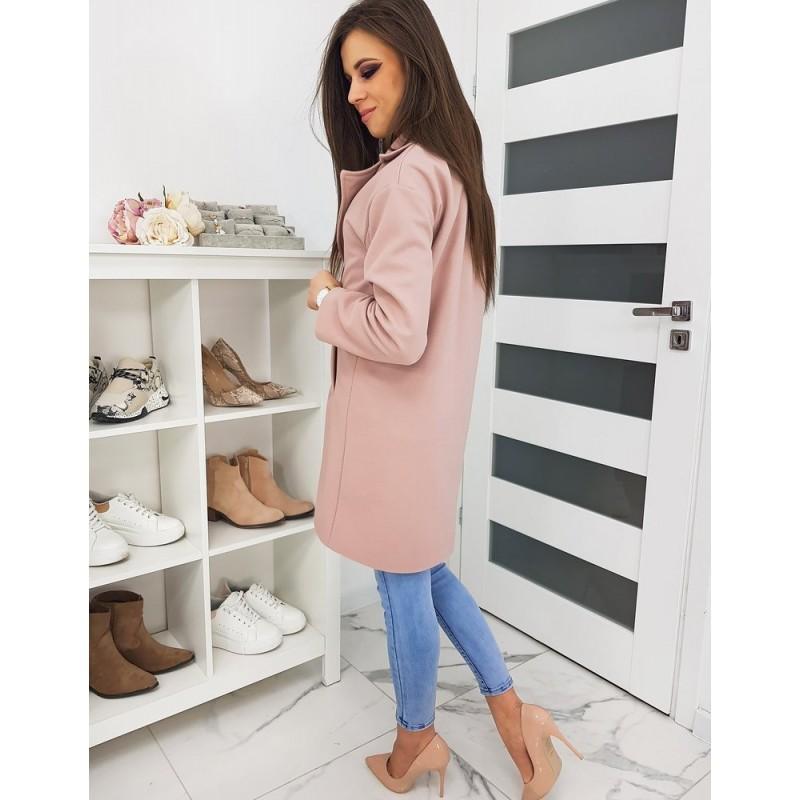 Klasický dámský kabát růžové barvy se dvěma knoflíky