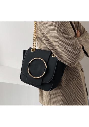 Dámská módní kabelka se zlatými doplňky v černé barvě