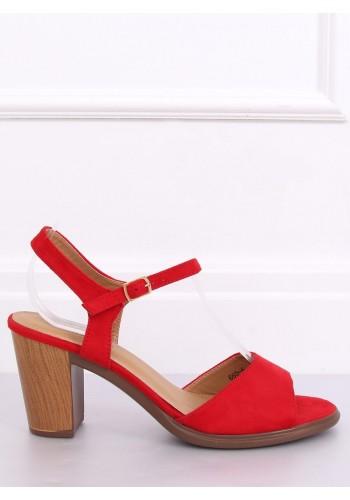 Dámské semišové sandály na dřevěném podpatku v červené barvě