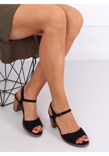 Semišové dámské sandály černé barvy na dřevěném podpatku