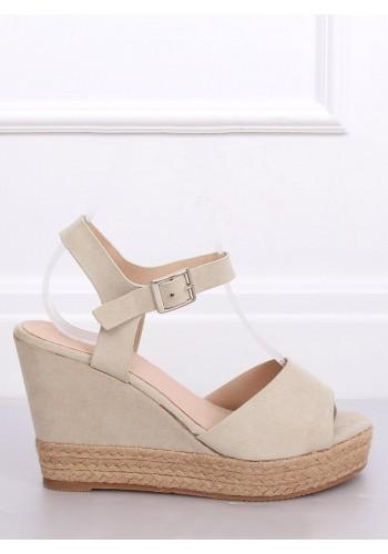 Béžové semišové sandály na klínovém podpatku pro dámy
