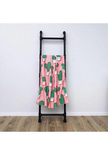Růžový plážový ručník s motivem kaktusů