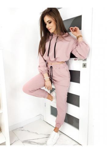 Růžová módní souprava pro dámy
