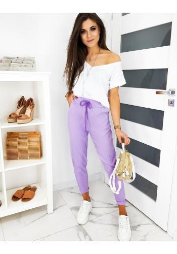 Dámské klasické kalhoty s vázáním ve fialové barvě