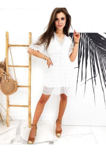 Dámské krajkové šaty ve stylu boho v bílé barvě