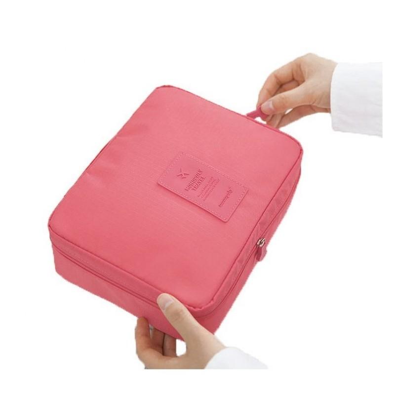 Černá kosmetická taška s množstvím kapes