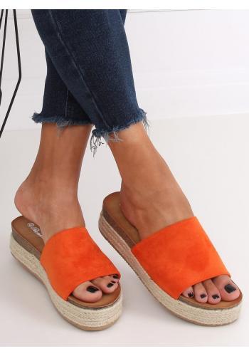 Semišové dámské pantofle oranžové barvy na vysoké podrážce