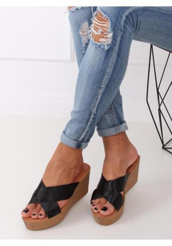 Metalické dámské pantofle černé barvy s klínovým podpatkem