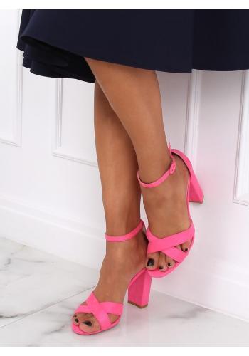 Semišové dámské sandály růžové barvy na stabilním podpatku