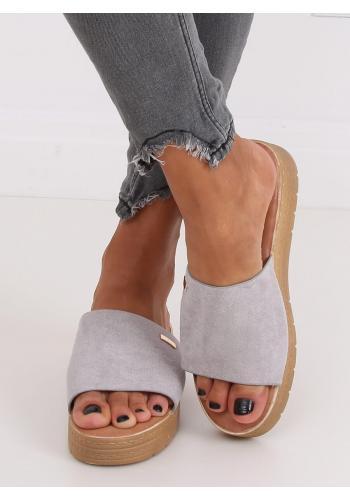 Dámské semišové pantofle s klínovým podpatkem v šedé barvě