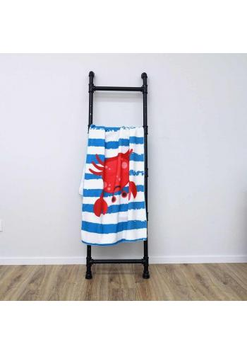 Modro-bílý plážový ručník s motivem kraba