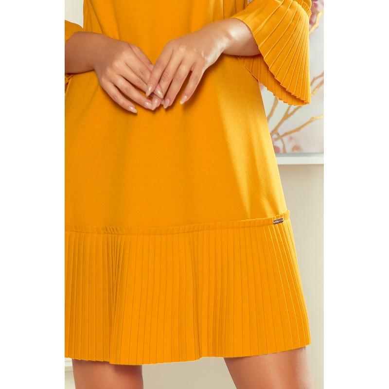 Dámské pohodlné šaty s plisovanými prvky v hořčicové barvě