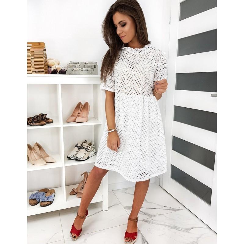 Dámské dírkované šaty ve stylu boho v bílé barvě