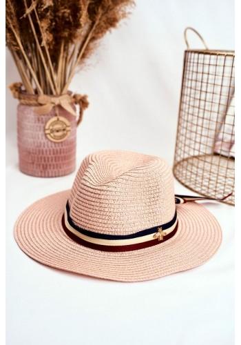 Módní dámský klobouk na léto růžové barvy se stuhou a zlatou mouchou