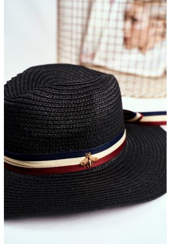 Tmavě modrý módní klobouk na léto se stuhou a zlatou mouchou pro dámy