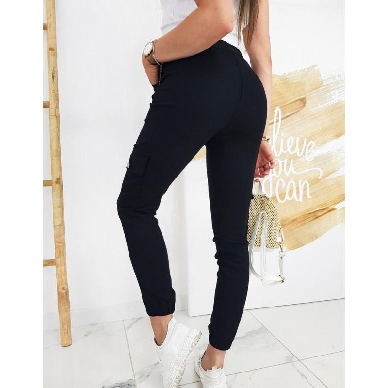 Dámské stylové kalhoty s bočními kapsami v černé barvě