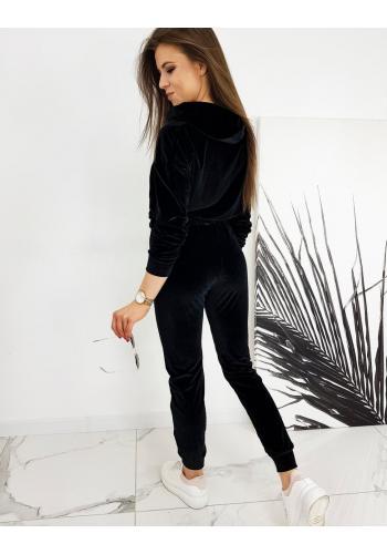 Velurová dámská souprava černé barvy