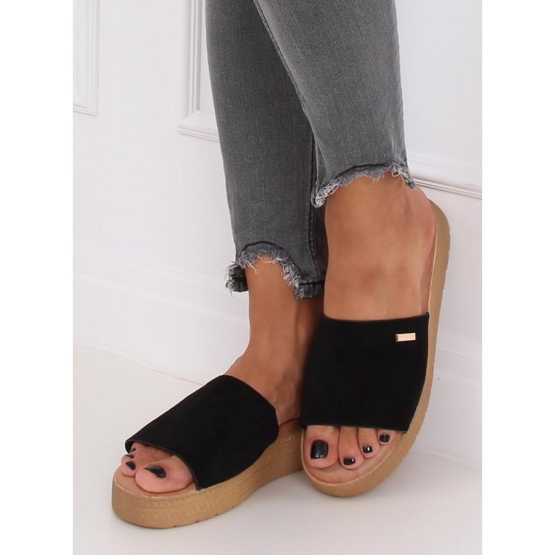 Černé semišové pantofle s klínovým podpatkem pro dámy