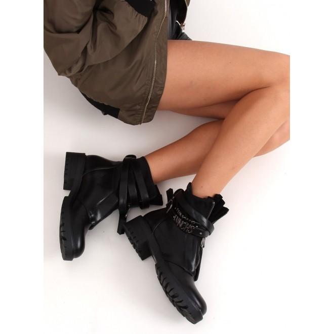 Černé stylové boty s masivní podrážkou pro dámy