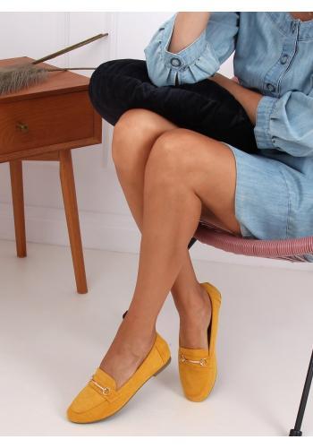 Žluté semišové mokasíny se zlatou ozdobou pro dámy