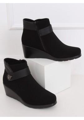 Černé kotníkové boty na klínovém podpatku pro dámy