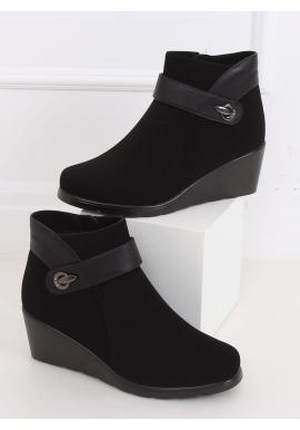 Dámské matné boty na klínovém podpatku v černé barvě