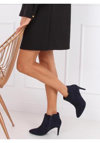 Semišové dámské boty tmavě modré barvy na štíhlém podpatku