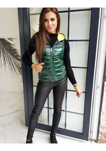 Dámská prošívaná vesta s kapucí v zelené barvě