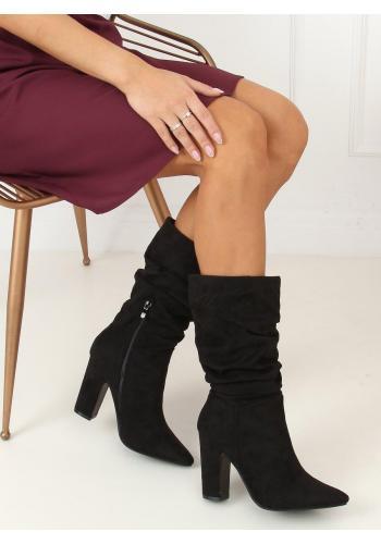 Semišové dámské kozačky černé barvy na stabilním podpatku