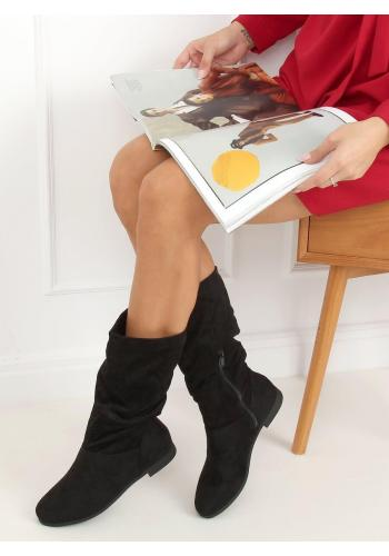 Semišové dámské kozačky černé barvy s nařaseným svrškem