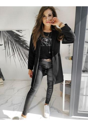 Jednořadý dámský kabát černé barvy se dvěma knoflíky