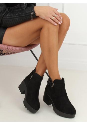 Černé semišové boty s vysokou podrážkou pro dámy