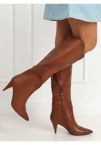 Lícové dámské kozačky hnědé barvy na podpatku