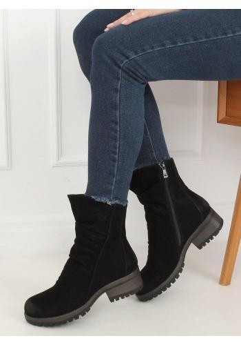Nubukové dámské boty černé barvy s nařaseným svrškem