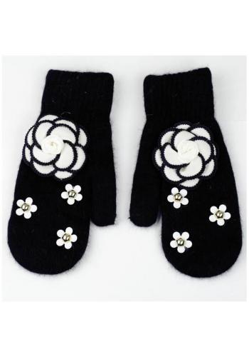 Zimní dámské rukavice černé barvy s květinami