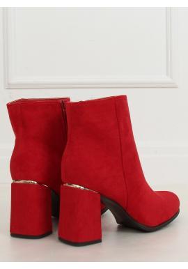 Dámské semišové kozačky na širokém podpatku v červené barvě