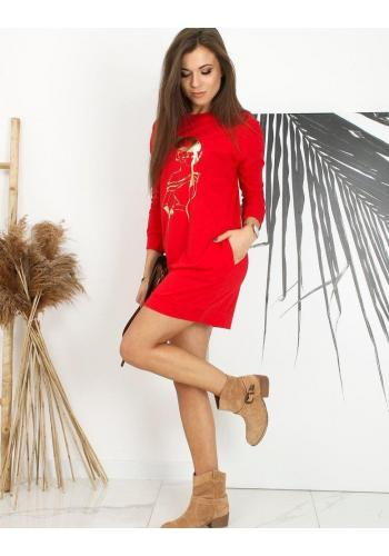 Sportovní dámské šaty červené barvy s potiskem