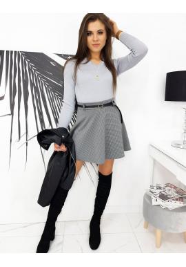 Dámský klasický svetr s véčkovým výstřihem v světle šedé barvě