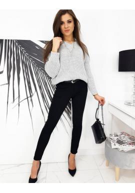 Světle šedý módní svetr s véčkovým výstřihem pro dámy
