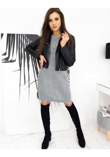 Svetrové dámské šaty světle šedé barvy s květovanou ozdobou