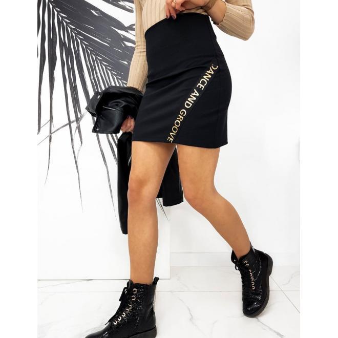 Dámská krátká přiléhavá sukně s nápisem v černé barvě
