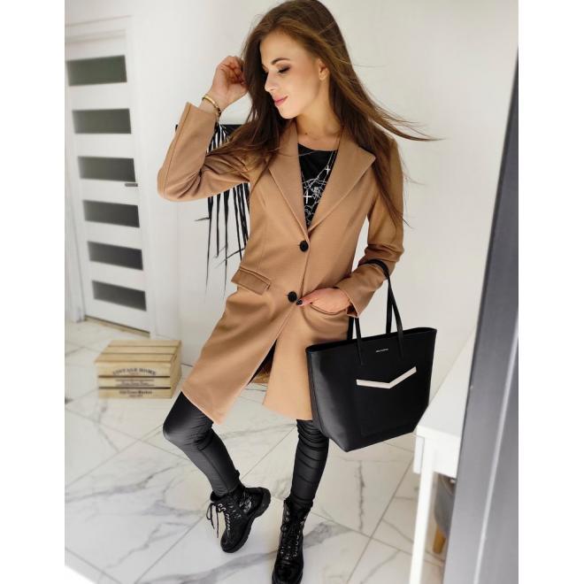 Jednořadý dámský kabát hnědé barvy s dvěma knoflíky