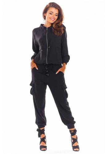 Sportovní dámské soupravy černé barvy s volným střihem